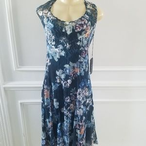 Lined blue dress